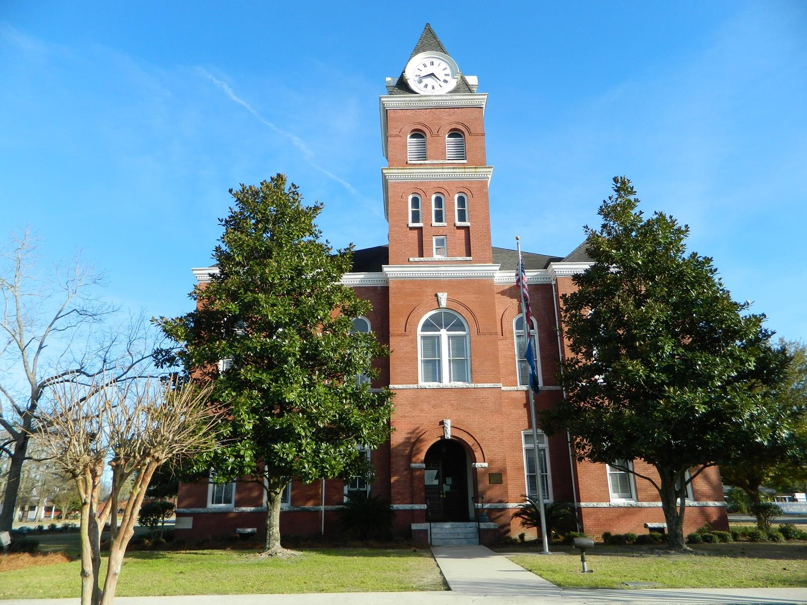 The Wayne County Courthouse was built in 1902-1903.