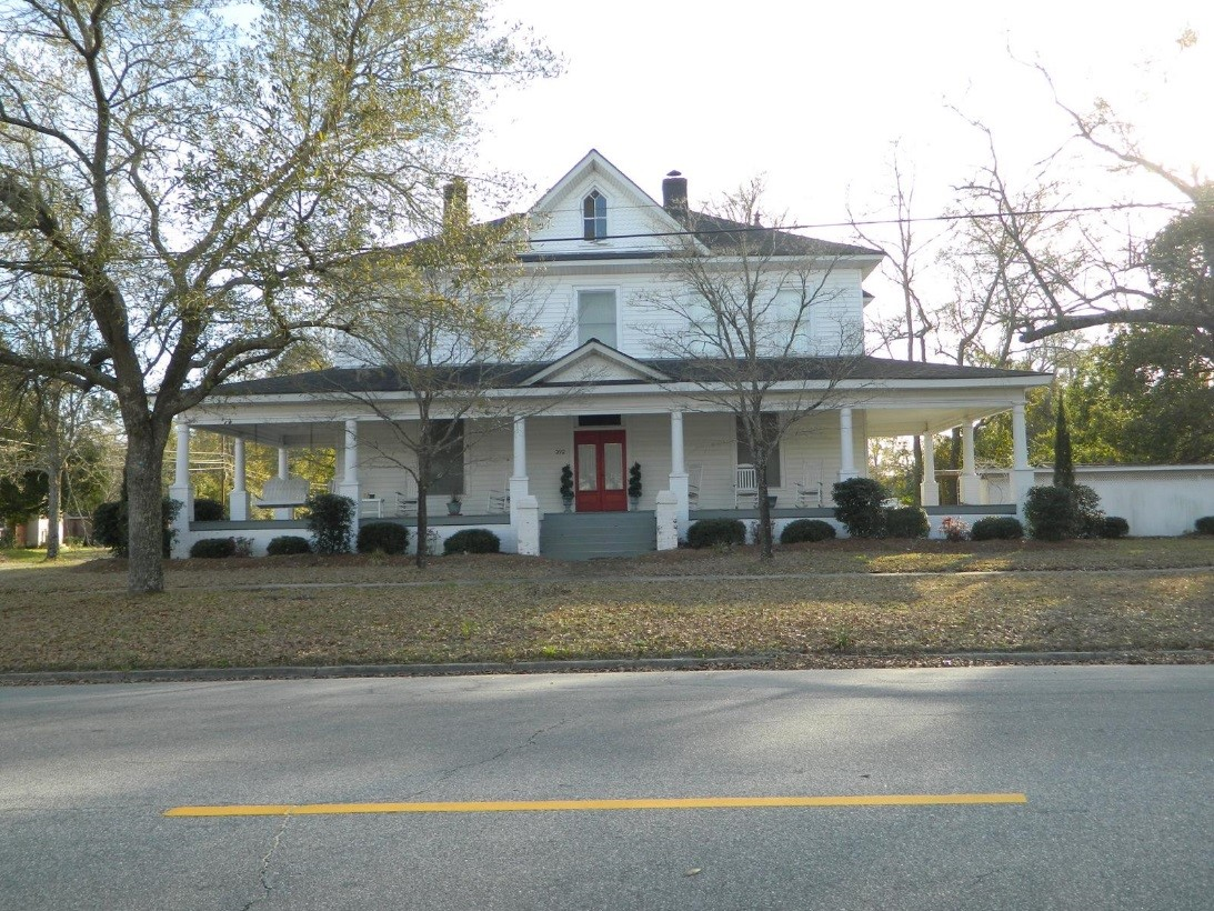 A key member of the Jesup business community, this is the home of Joseph H. Wilkins.